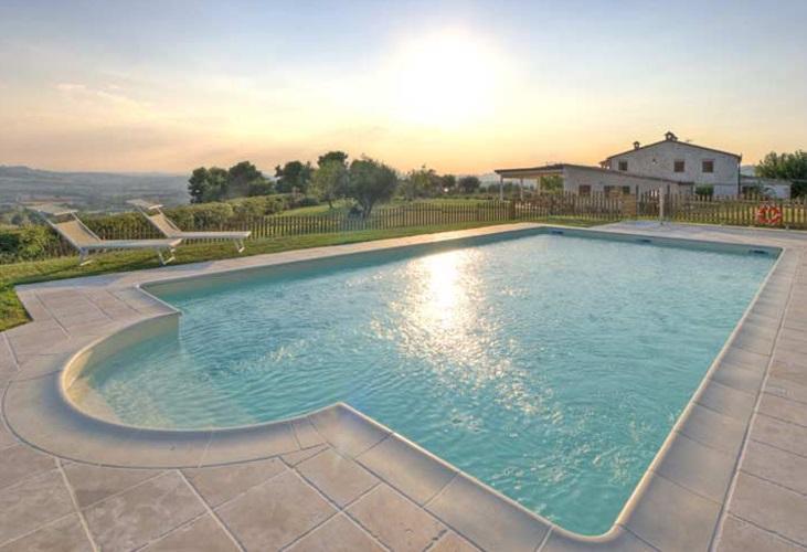 Hotel agriturismi b b campeggi appartamenti nella campeggi con piscina marche - Campeggi con piscina marche ...