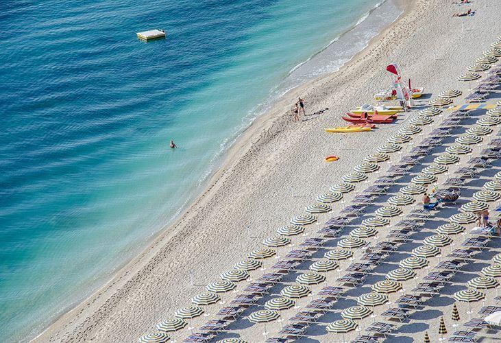 Riviera del conero vacanze hotel locali e divertimento for Hotel meuble la spiaggiola numana